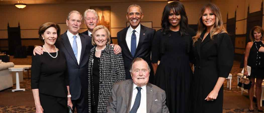 Four Living Ex-Presidents And First Ladies Pose For Photo At Barbara Bush's Funeral