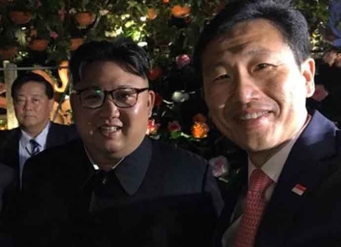 Deadly Dictator Kim Jong-un Smiles For Selfies In Singapore