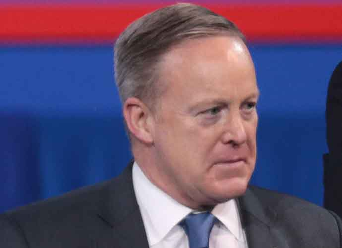 "Former White House Press Secretary Sean Spicer Called ""Garbage"" At Book Tour Event"
