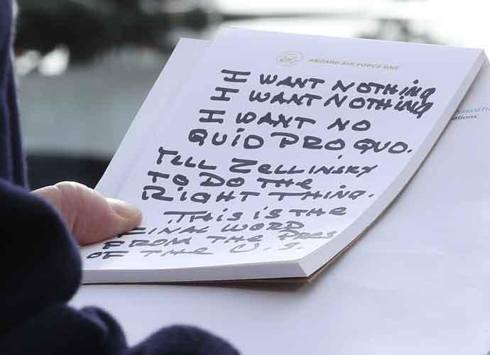 Obama Photographer Pete Souza Mocks Trump's Super-sized 'I Want Nothing' Notes [Best Memes]