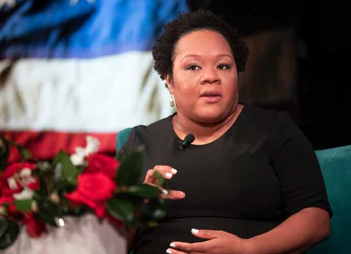 Journalists Defend Yamiche Alcindor After Trump Blocks Her Question & Pulls Mic