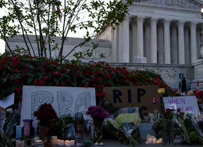 Thousands Of Mourners Gather Outside Supreme Court To Honor Justice Ruth Bader Ginsburg