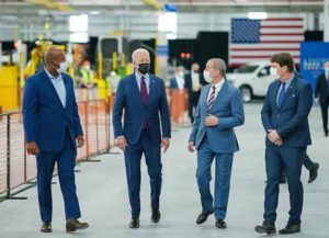 Biden tours Ford plant in Michigan (Image: White House)